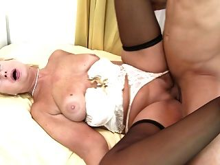 Old Sexbomb Granny Fuck Fresh Meat