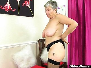 British Grannies Savana And Zadi Show Their Fuckable Body