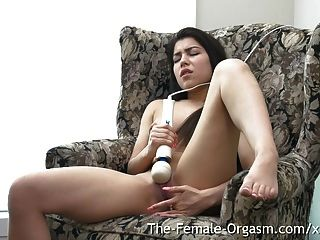 18 Yo Babe Big Clit Hitachi And Finger Bate To Throbbing O