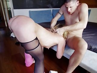 Sexy Nympho Deepthroats And Licks Ass