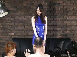 Japanese Femdom Risa Slapped The Face Of Three Slaves