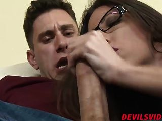 Horny Milf Dava Foxx Gets Her Tight Pussy Stretched