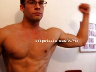 Muscle Men - Lance Flexing Video 2