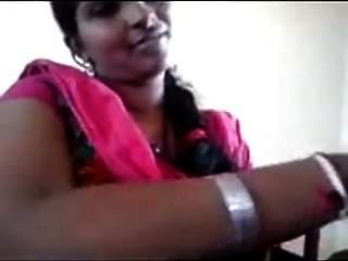 Amateur Desi Milf In Pink Sari Posing On Camera.mp4