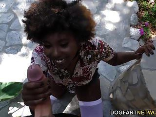 Ebony Daizy Cooper Fucks Huge Wite Dick