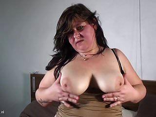 Chubby Dutch Mature Housewife Takes Double Dildo