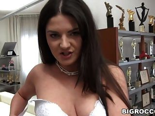 Submissive Girl Loves Ass To Mouth