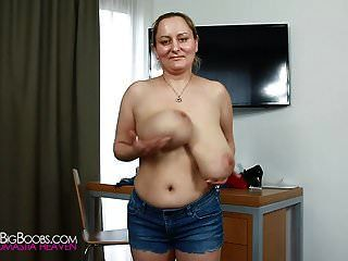 Jumping With Saggy Tits 720p