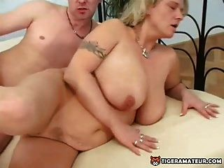 Naughty And Busty Amateur Mom Sucks And Fucks With Facial
