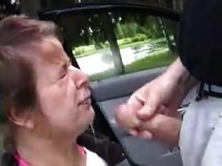 Street Hooker Gets Public Facial