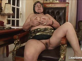Bbw Loves To Suck And Get Fucked Hard.mp4