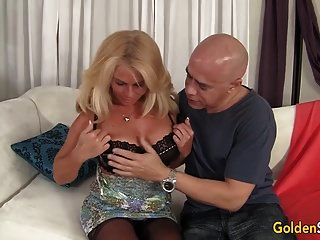 Mature Blonde Crystal Taylor Is Boned By A Fat Dick