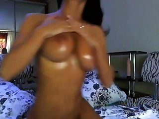 Amateur Oil Babe Fun With Dildo On Webcam #mrbrain1988