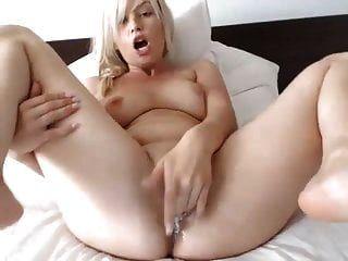 Hot Webcam Blonde Babe Masturbating