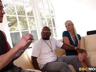 Dee Williams & London River Interracial Foursome Sex