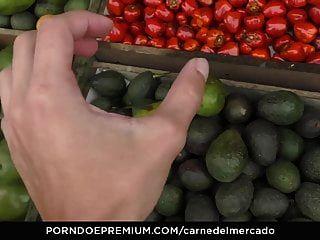Carne Del Mercado - Deep Fucking With Hot Latina Newbie